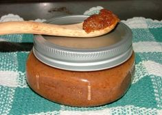 Persimmon buttor A delicious, unusual fruit spread at its best when the fruit is very ripe. From the Mississippi Valley chapter of the United States Regional Cookbook, Culinary Arts Institute of Chicago, Cooking time is approximate. Jelly Recipes, Jam Recipes, Canning Recipes, Fruit Recipes, Real Food Recipes, Holiday Recipes, Yummy Food, Juice Recipes, Canning 101