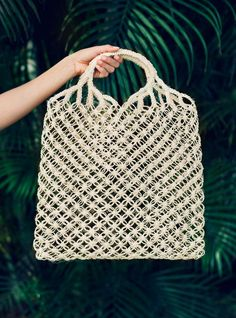 I want to carry this everywhere. sustainable tote//handcrafted from leaves of Fique