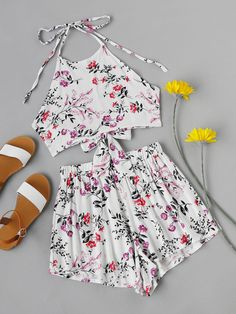 #AdoreWe #ROMWE ROMWE Floral Print Random Tie Open Back Crop Top With Shorts - AdoreWe.com