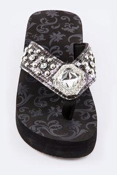 848de71afcfbf7 Fashion Flip Flops with a Glam acrylic crystal
