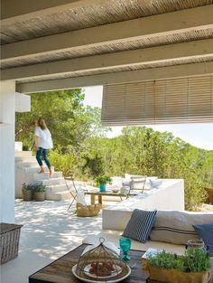 Mediterranean style-terrace garden the drop shade for patio Outdoor Rooms, Outdoor Gardens, Outdoor Living, Outdoor Furniture Sets, Outdoor Decor, Indoor Outdoor, Interior Exterior, Exterior Design, Gazebos