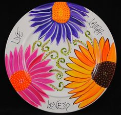 love the color Flower plate Painted Ceramic Plates, Hand Painted Pottery, Ceramic Painting, Ceramic Pottery, Painted Ceramics, Dot Painting, Sharpie Plates, Sharpie Crafts, Sharpie Art