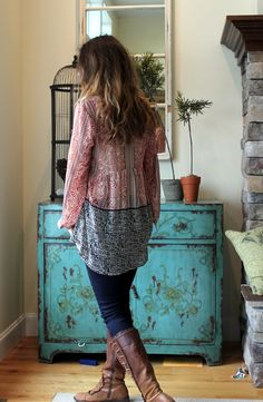 I love tunics. <3  I would wear them every single weekend and some Fridays during Fall and Winter.