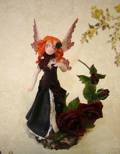 Una delle meravigliose fatine di Sonia Cacioppi La Bottega delle Fate: Black Baccarat - Gothic Fairy