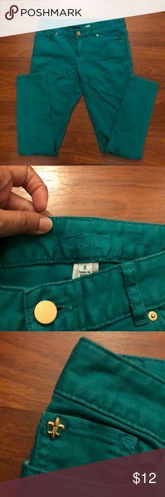 *FINAL PRICE DROP* Cache green jeans!👖 Really comfortable skinny pants. The color is a little faded. Cache Pants Skinny