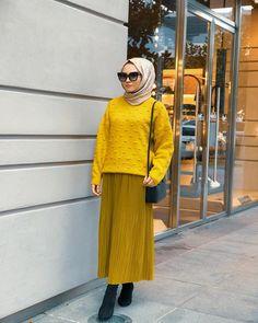 hijab fashion Beautiful Hijab, Hijab Fashion, Sweaters, Anime, Dresses, Vestidos, Sweater, Cartoon Movies, Anime Music