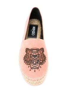 Купить Kenzo эспадрильи 'Tiger' в Likus Concept Store from the world's best independent boutiques at farfetch.com. 400 бутиков, 1 адрес. .