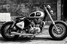 Modified Classic!!! By @aimanverma @RoyalEnfieldBeasts #royal #royalenfield #royalenfieldbeasts #enfield #bike #motocross #motorcycle #girl #boys #macho #blue #hd #bullet #fun #life #ride #auto #automobile #india #england #usa #uk #speed #race #modified #motorcyclesofinstagram #re #punjabi #punjab