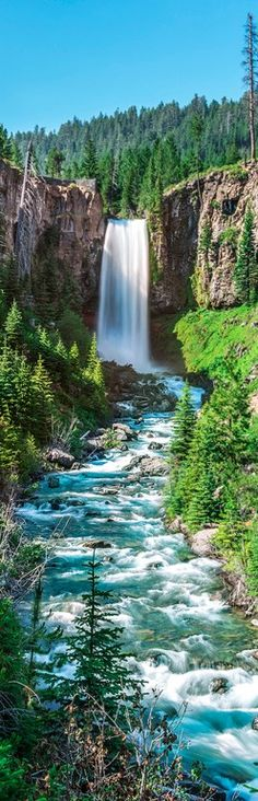 Tumalo Falls on the Deschutes River in Central Oregon. Beautiful pic.