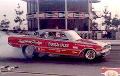 Charlie Allen's Saddleback Dodge sponsored Dodge Dart at Orange County. Dodge Dart, Funny Car Drag Racing, Funny Cars, Vintage Racing, Vintage Cars, Drag Cars, Unique Cars, Vintage Humor, Car Humor