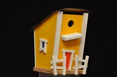 Lil Shack bird house from @Goodsmiths. My dad would love this!