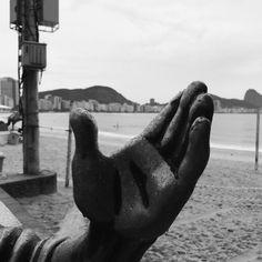 Dorival Caymmi  #estatua #statue #sculpture #streetart #brasilia #bnw #monochrome #bw_lover #Brazil #RiodeJaneiro #RiodeJaneiro #people #outdoors #portrait #wear #shadow #travel #traveling #visiting #instatravel #instago #architecture #music #bestsong #tree #ipreview @preview.app