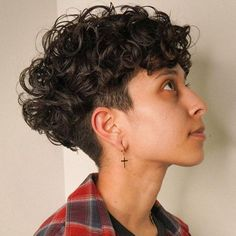 Undercut Curly Hair, Curly Pixie Hairstyles, Haircuts For Curly Hair, Undercut Hairstyles, Wedding Hairstyles, Undercut Pixie, Shaved Hairstyles, Short Curly Pixie, Curly Pixie Cuts