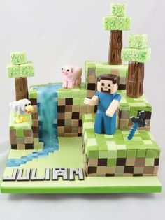 Minecraft Cake Torte Caketopper Figuren Fondant You are in the right place about DIY Anniversary for her Here we offer you the most beautiful pictures about the DIY Anniversary for parents you are loo Minecraft Torte, Minecraft Birthday Cake, Pastel Minecraft, Anniversary Crafts, Video Game Party, Torte Cake, Cakes For Boys, 9th Birthday, Craft Party