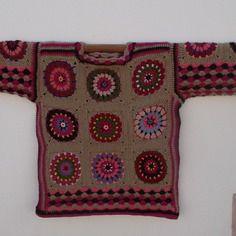 "Pull ""penjab"" au crochet mandalas multicolores"