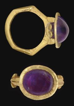 A ROMAN GOLD AND AMETHYST FINGER FING CIRCA 3RD CENTURY A.D.