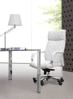 White Desk Chair: How Gives a Boost to Your Office - Home Furniture Design Striped Dining Chairs, Black Dining Room Chairs, Living Room Chairs, Desk Chairs, White Leather Office Chair, White Desk Chair, White Office, Small Office Chair, Luxury Office Chairs