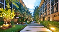 The Haven Bali Seminyak Seminyak A 10-minute walk from Seminyak Beach, The Haven Bali Seminyak Hotel offers accommodation with flat-screen TVs and free Wi-Fi. The elegant hotel boasts a swimming pool and 2 dining options.