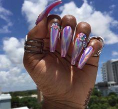 Long pink metallic coffin nails
