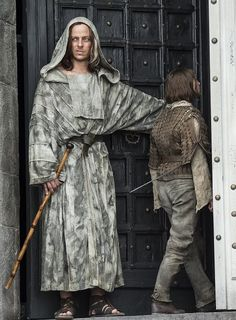 Game of thrones (season published by Blixtnatt Related Post Game of Thrones cast back in 2009 Are you a fan of Game of Thrones? Behold: The Best Fashion Moments From Game of Thro. Game Of thrones Funny Memes Collection Game Of Thrones Facts, Game Of Thrones Costumes, Got Game Of Thrones, Game Of Thrones Quotes, Game Of Thrones Funny, Eddard Stark, Arya Stark, Winter Is Here, Winter Is Coming