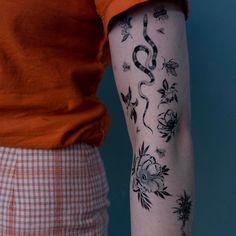"4,924 Likes, 26 Comments - OOZY (최우진) (@oozy_tattoo) on Instagram: "".Oozy temporary tattoo . . Oozy 타투 스티커 ☀︎ . .#oozytattoo #tattoo"""