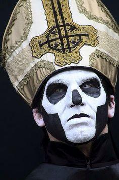 Papa Emeritus 3 Unplugged