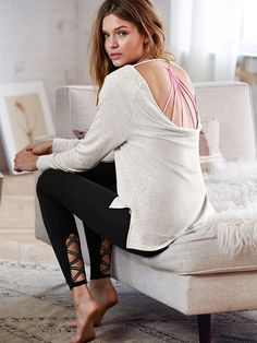 The Everywhere Shimmer Strappy Legging - Victoria's Secret