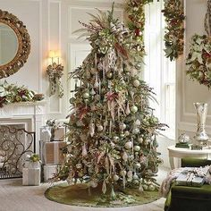 ELEGANT, LUXURIOUS CHRISTMAS TREES