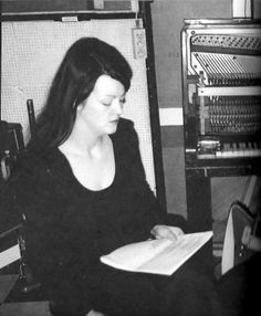 Meg White during the recording of 'Elephant', April 2002 Meg White, Jack White, The White Stripes, Cool Bands, One Pic, Elephant, T Shirts For Women, Pure Products, Music