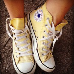 You know what I want? Yellow Converse hightops