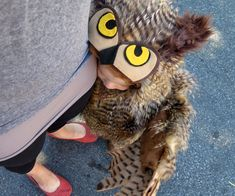 Now that many of my friends have kids, it's always a treat to make fun things for them to wear. This halloween I set out to make my good friend's daughter an owl...