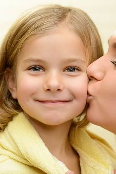 Montessori is a lifestyle. How can parents integrate Montessori Parenting at Home without breaking the bank. Here are 75 Ways to be a Montessori Parent.
