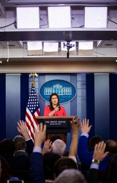 Reporters Facing a Hostile White House Try a New Tactic: Solidarity