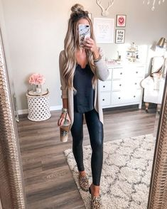 casual outfits for women / casual outfits ; casual outfits for winter ; casual outfits for women ; casual outfits for work ; casual outfits for school ; Adrette Outfits, Trendy Fall Outfits, Basic Outfits, Summer Outfits, Fall Outfits 2018, Summer Leggings Outfits, Outfits For Women Casual, Cute Vegas Outfits, Outfit Ideas With Leggings