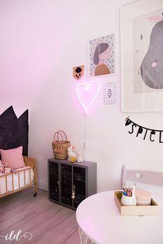 Babyerstausstattung erster einblick ins neue babyzimmer - Kinderzimmerschrank junge ...