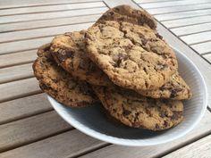 Sprøde og bløde cookies med chokolade og havsalt