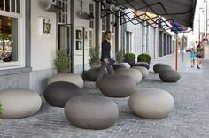 atelier-vierkant-ceramic-pebble-seating