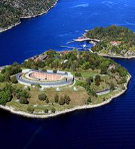 Oscarsborg Fortress outside Drøbak in Eastern Norway - Photo: Nasjonale… Norway Sweden Finland, Norway Oslo, Denmark, Some Beautiful Pictures, Beautiful Places, Norway Destinations, Places Around The World, Around The Worlds, Visit Norway