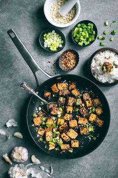Pan Fried Tofu, Crispy Tofu, Fried Rice, Unique Recipes, Ethnic Recipes, Grilled Tofu, Rice Grain, Roasted Peanuts, Noodle Bowls