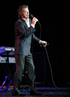 B.J. Thomas performs at Riverwind Casino's Showplace Theatre in Norman, Okla., Thursday, April 28, 2016. Photo by Nate Billings, The Oklahoman
