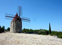 Moulin de Daudet (windmill) - Fontvieille, France
