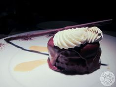 image of Boston cream pie at 21 Club in NYC, New York