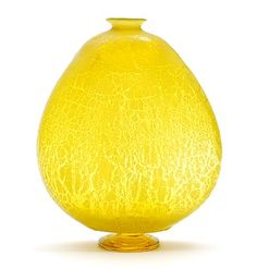 Flat yellow glass Unica 410 vase with crackle on yellow glass applied stand design A.D.Copier 1921-'23 executed by Glasfabriek Leerdam / the Netherlands