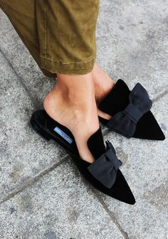 bows on slipper flats