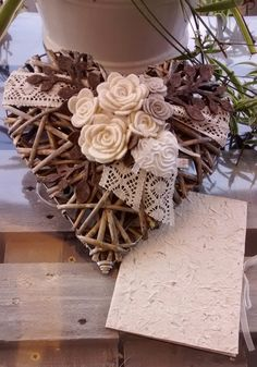 1 million+ Stunning Free Images to Use Anywhere Diy Arts And Crafts, Crafts To Sell, Diy Crafts, Sola Wood Flowers, Felt Flowers, Valentine Day Love, Valentines, Wicker Hearts, Shape Crafts
