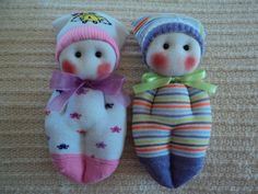muñequitos con calcetines