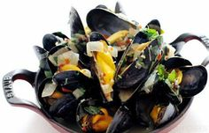 Paul Ainsworth's recipe for mussel broth uses basil and kaffir lime leaves for a deliciously fresh taste. Use the freshest mussels for this broth recipe. Paul Ainsworth Recipes, Shellfish Recipes, Mussel Recipes, Gluten Free Recipes, Healthy Recipes, Healthy Food, Chef Paul, Great British Chefs, Mussels