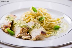 Pasta With Chicken fillet Stock Images Weekly Menu, Linguine, Chicken Pasta, Pasta Dishes, Spaghetti, Delish, Curry, Ethnic Recipes, Food