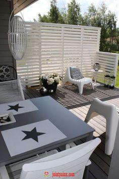 Home White Home: Terassiprojektin lopputulos Outdoor Retreat, Backyard Retreat, Outdoor Rooms, Indoor Outdoor, Outdoor Living, Outdoor Furniture Sets, Outdoor Decor, Patio Fence, Outdoor Privacy