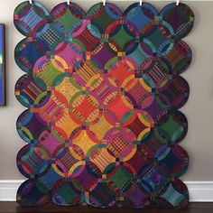 Lisa, aka The Redheaded Mermaid, made this Kaffe Fassett shot cotton version of a double wedding ring quilt design by V Findlay Wolfe Wedding Ring Quilt, Wedding Quilts, Double Wedding Rings, Circle Quilts, Quilt Blocks, Striped Quilt, Contemporary Quilts, Traditional Quilts, Quilting Designs